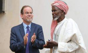 83-Year-Old Imam Wins Int'l Prize For Saving 262 Christians From Certain Death By Hiding Them In His Mosque